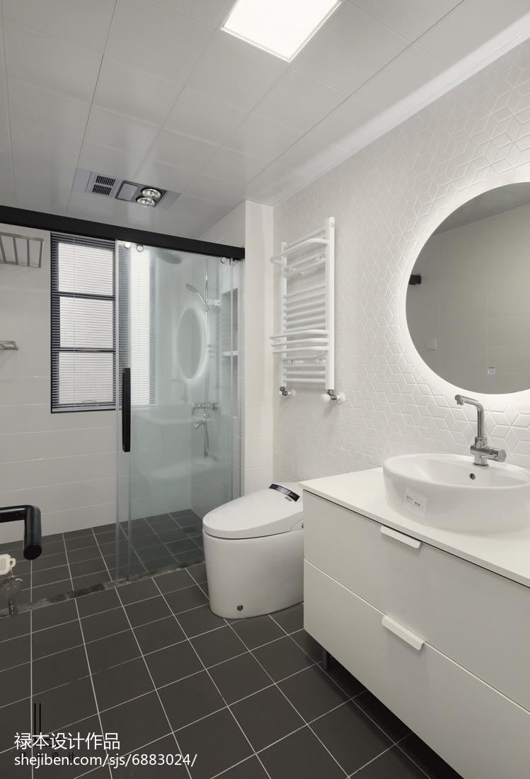 精美103平米三居卫生间北欧装饰图片