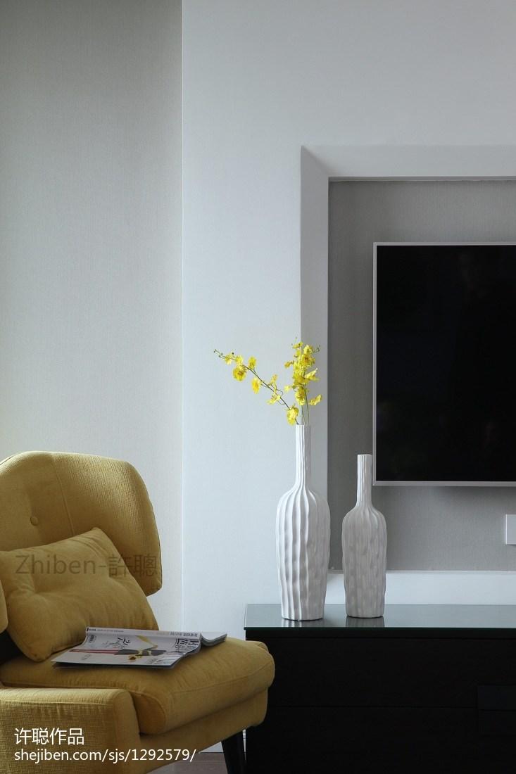 精选96平米三居客厅简约装饰图片欣赏