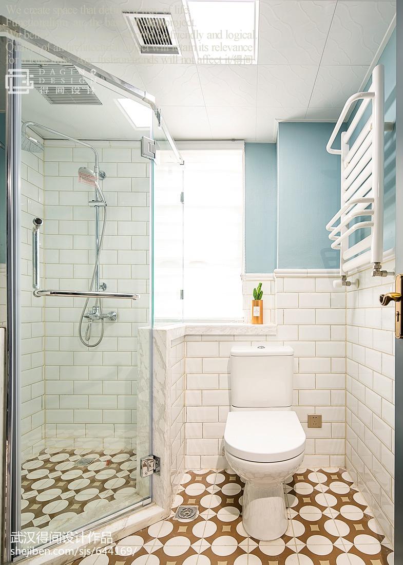热门109平米三居卫生间美式欣赏图片