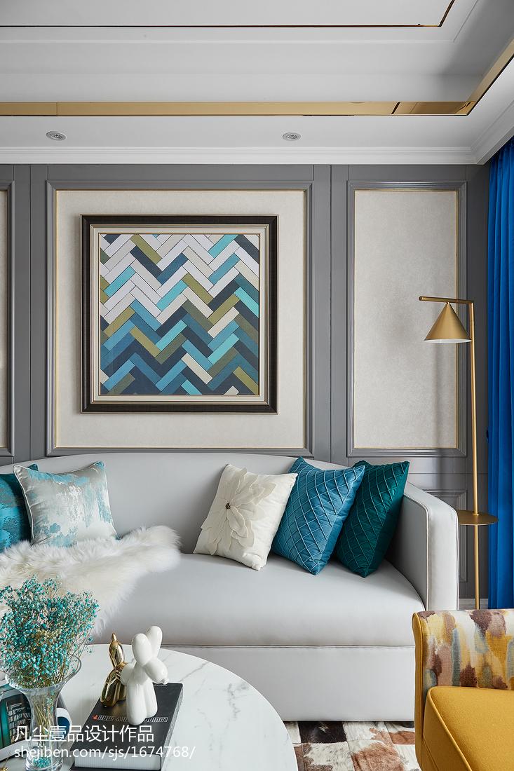 温馨78平法式三居客厅装修装饰图