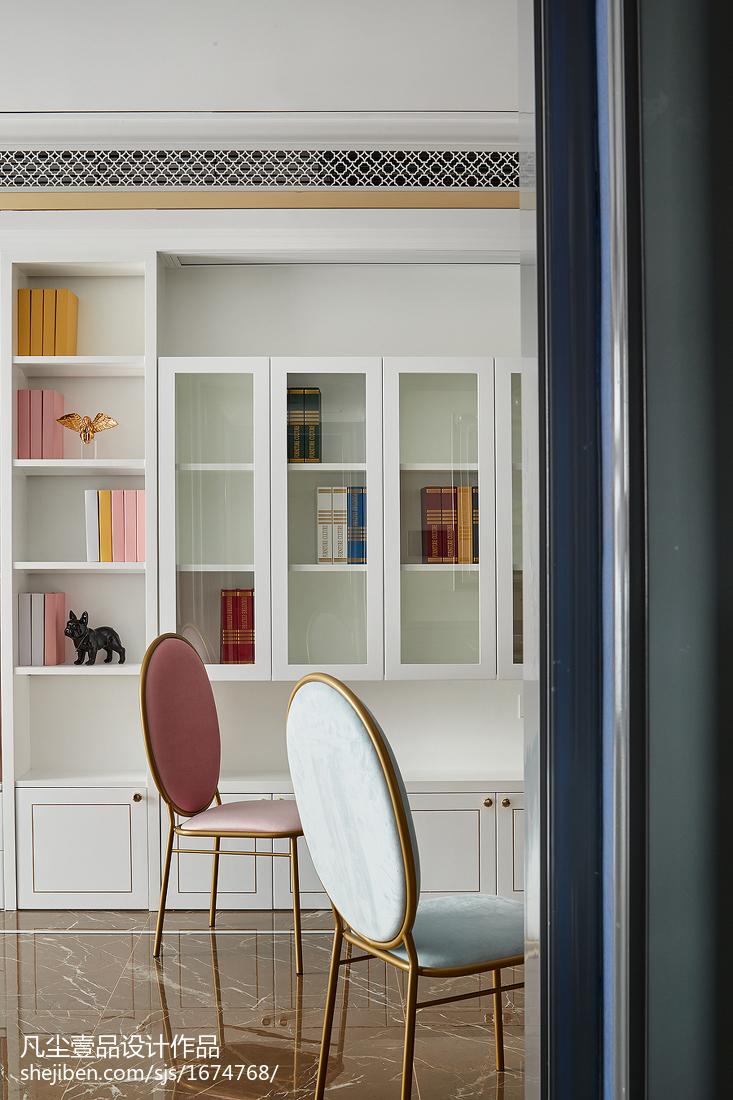 精美78平法式三居餐厅装饰图