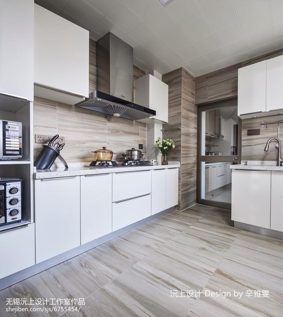 面积104平现代三居厨房装修设计效果图片大全