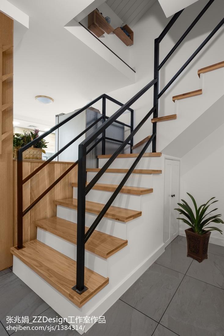 北欧三居楼梯设计实景图