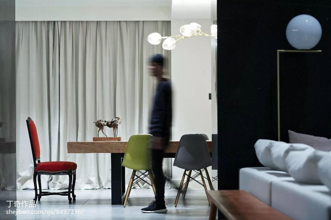 精选118平米现代别墅客厅装修实景图片