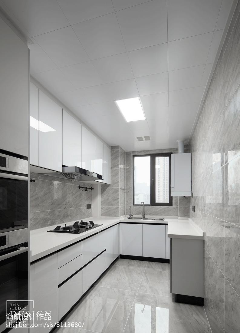 现代灰白系厨房设计图