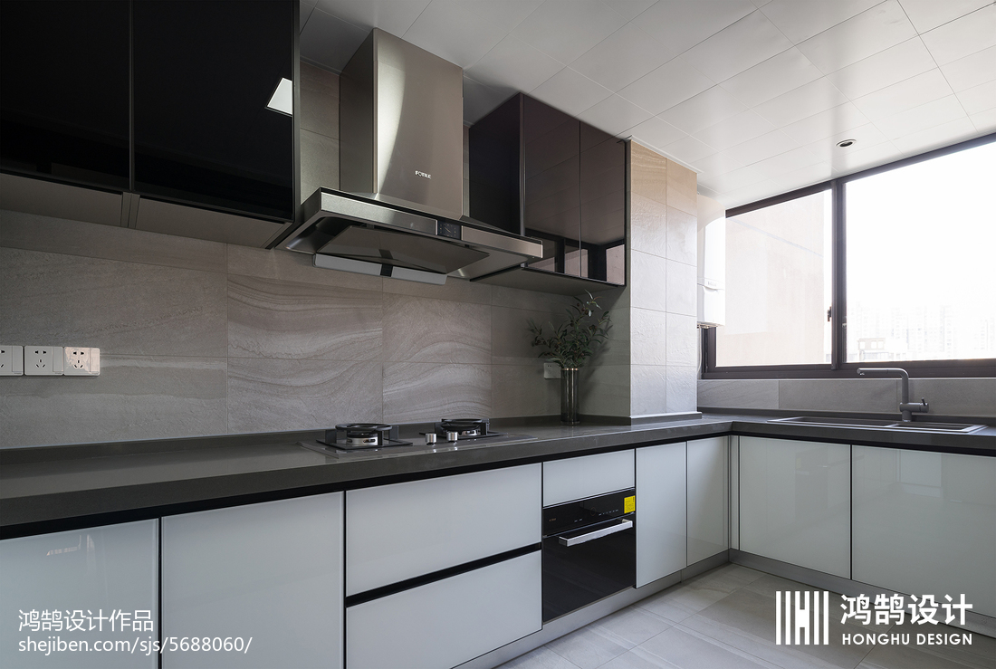 优美113平现代三居厨房装修设计图