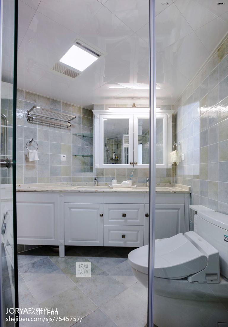 美式风三居卫浴设计实景图