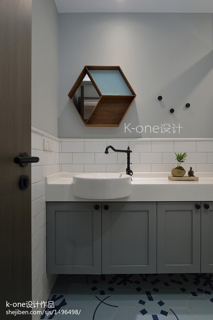2018面积94平现代三居卫生间装修欣赏图片