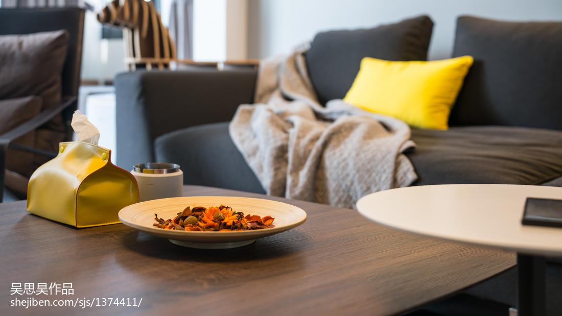 优美23平混搭小户型客厅装潢图