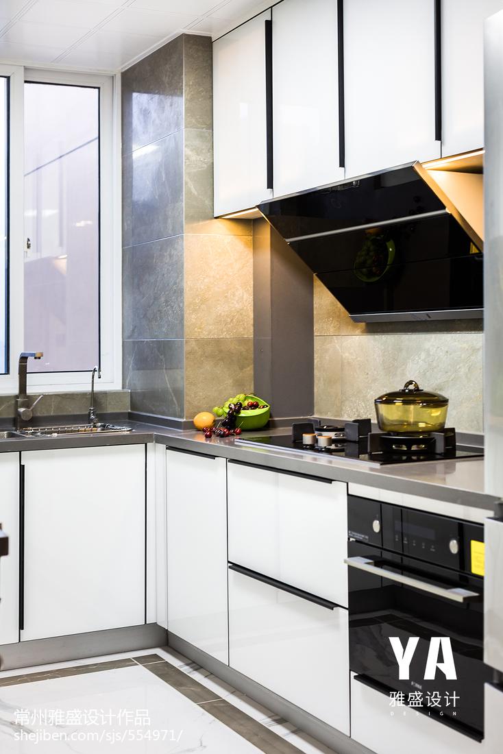精美现代二居厨房实景图