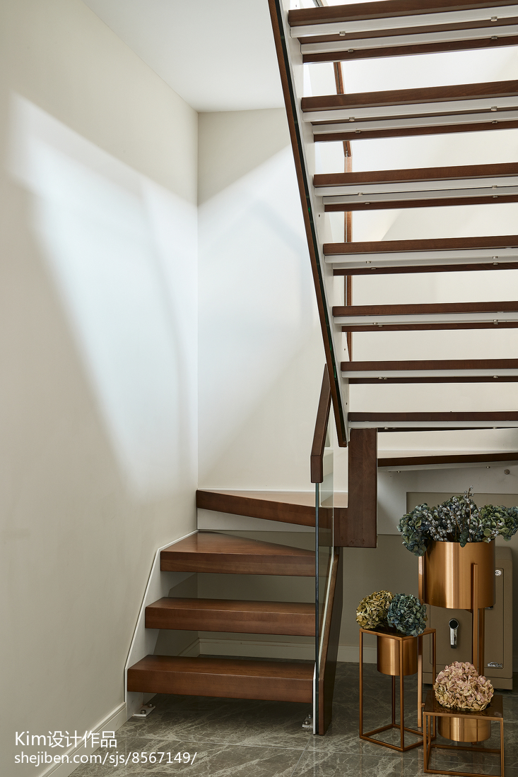 优美145平现代四居装修装饰图