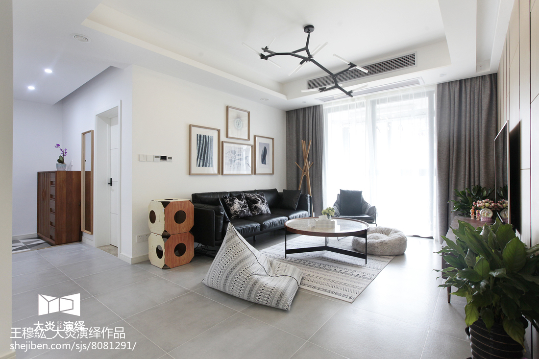 精美102平米三居客厅简约装修欣赏图