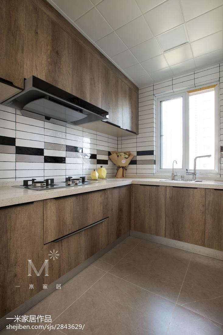 精选北欧四居厨房装修实景图