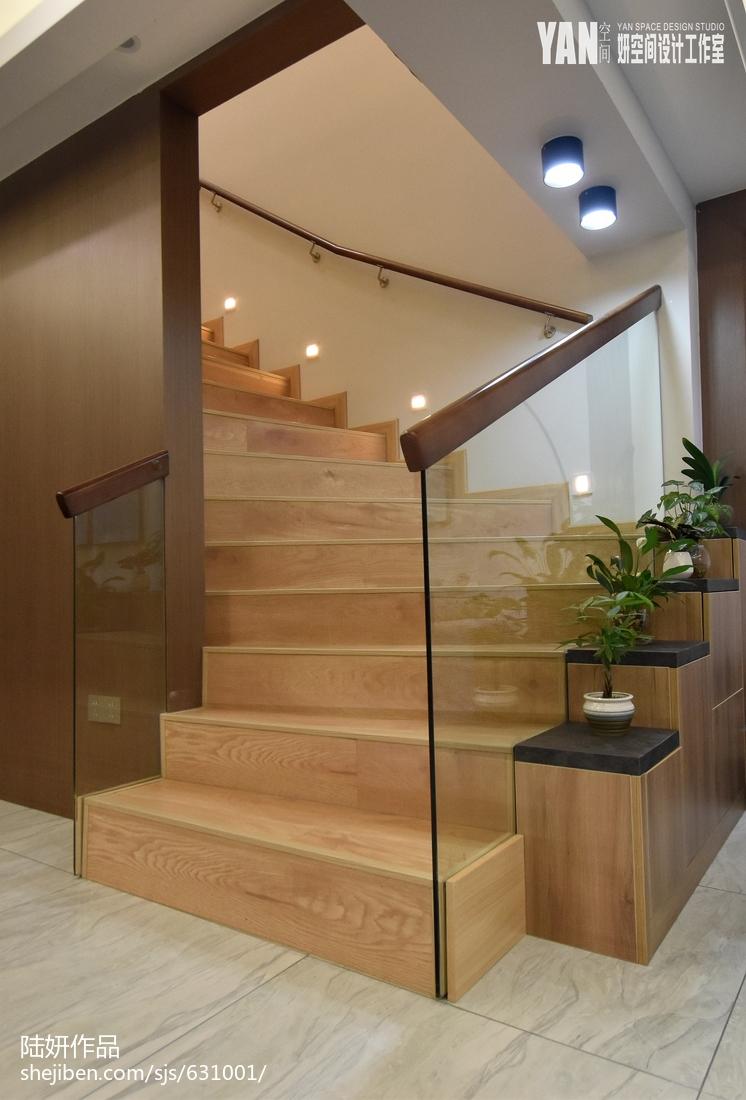 輕奢158M2復式樓樓梯設計實景圖