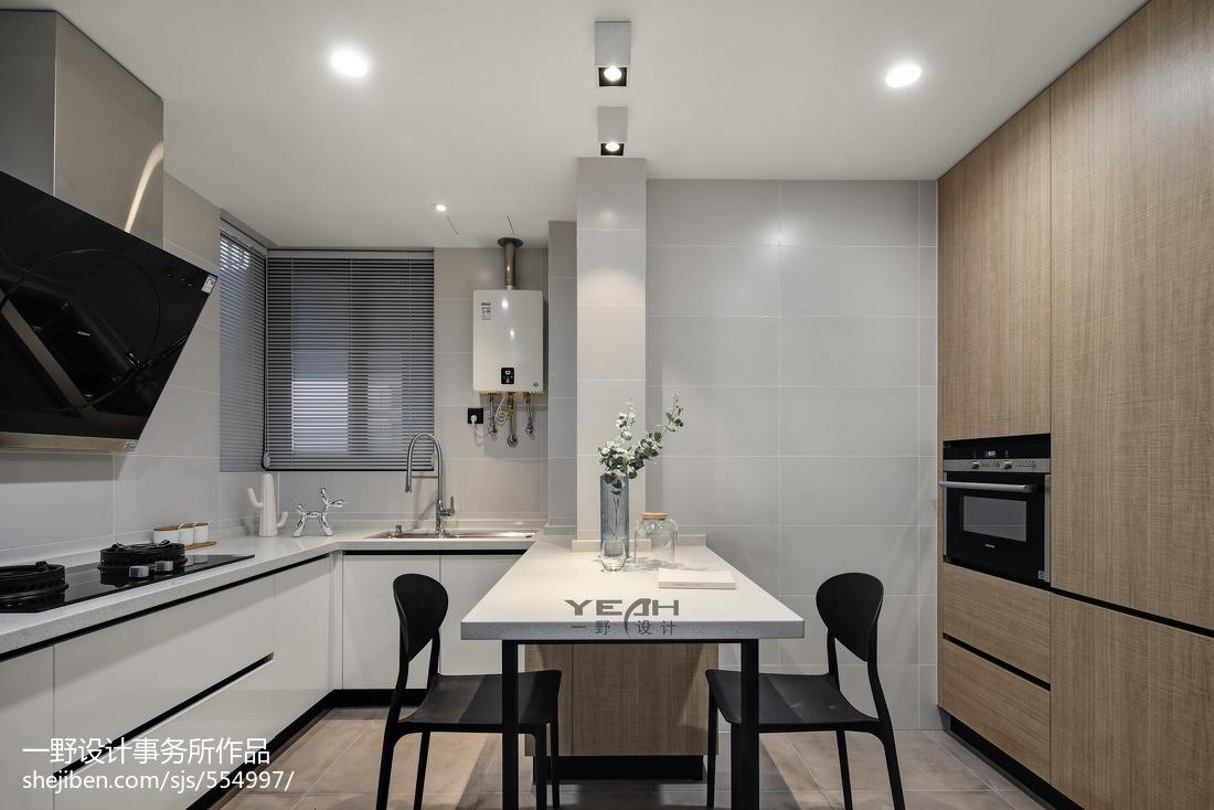 98m²现代风格厨房设计图