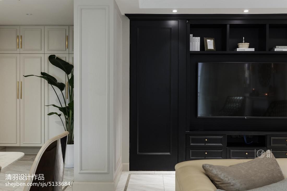 悠雅80平美式三居客厅案例图