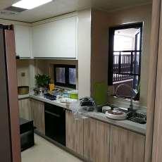 精美72平方二居厨房现代装修实景图
