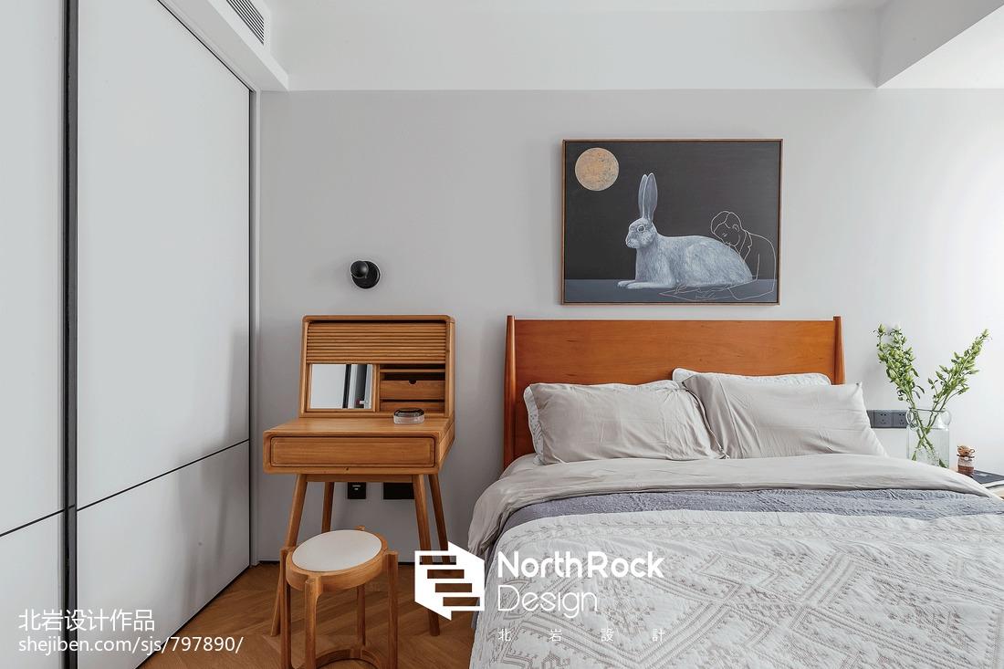 典雅81平北欧三居卧室装饰图