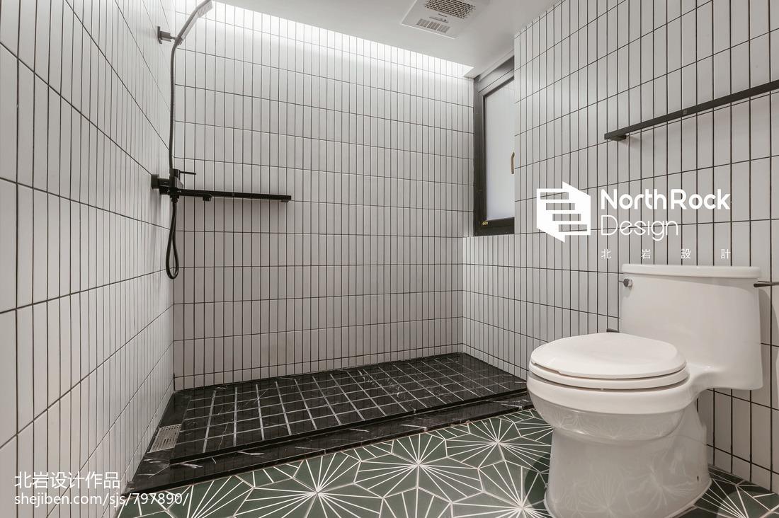 华丽70平北欧三居卫生间设计图