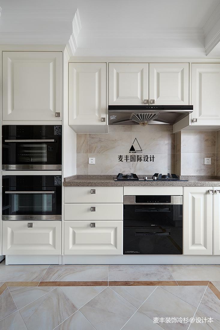明亮96平美式四居厨房装饰美图