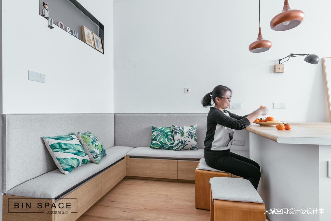 轻奢35平简约小户型客厅设计美图