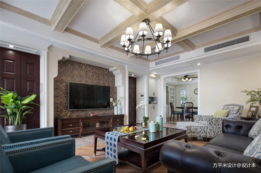 优雅118平美式四居客厅实拍图