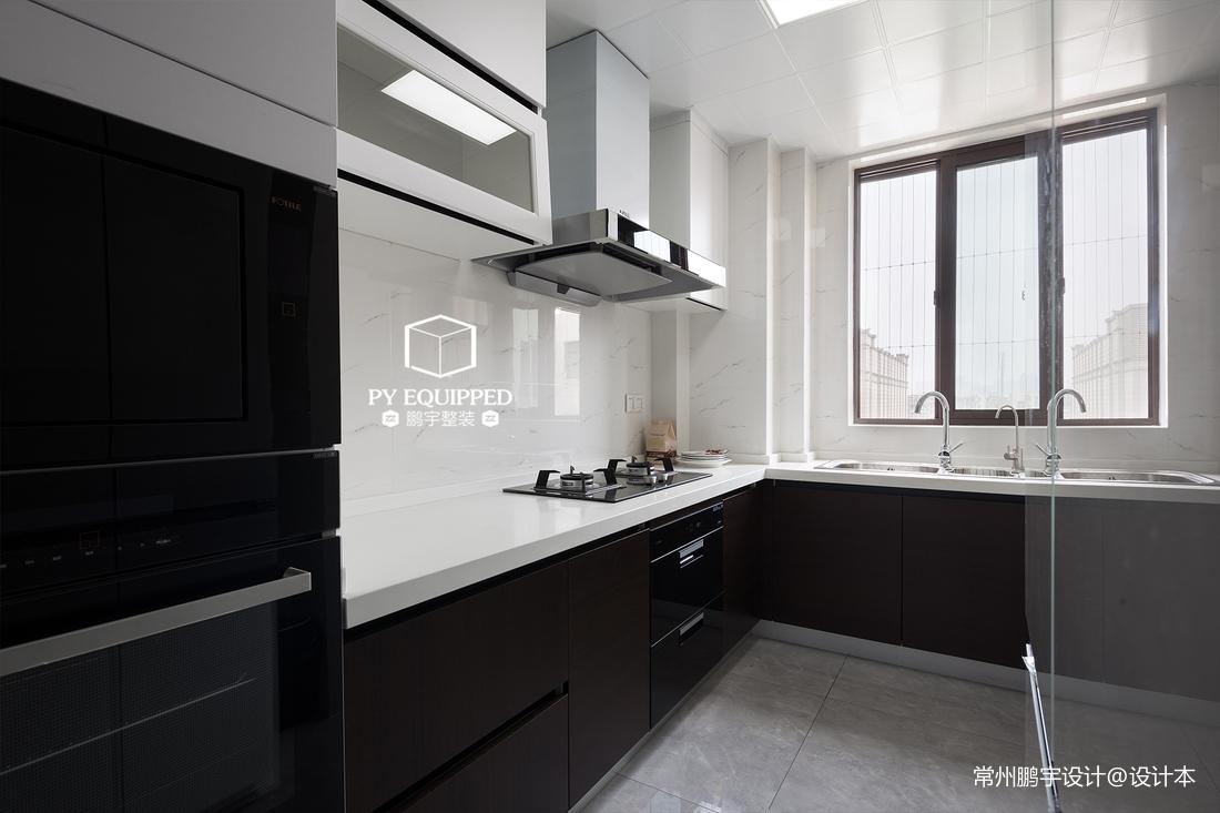 优雅88平现代三居厨房设计美图