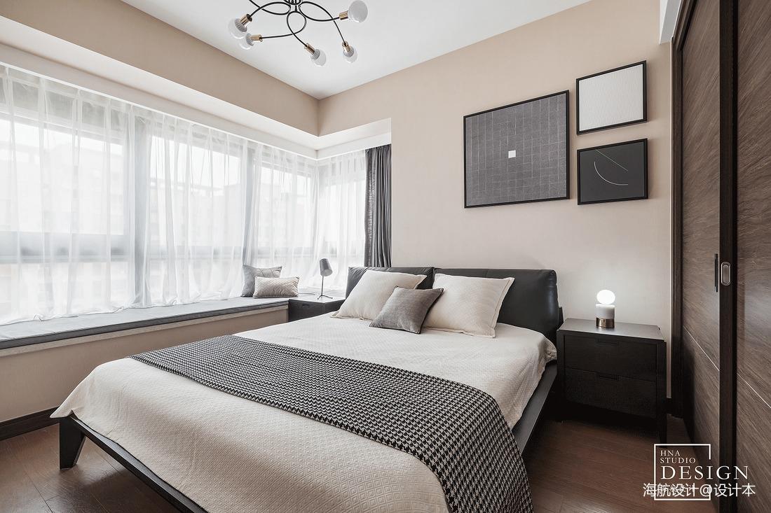 面积101平现代三居卧室装修欣赏图
