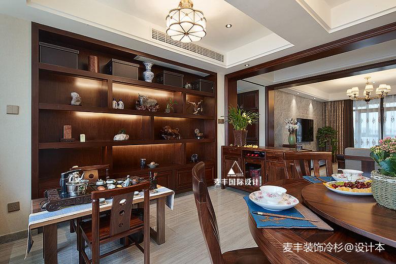 悠雅141平中式三居餐厅装饰图