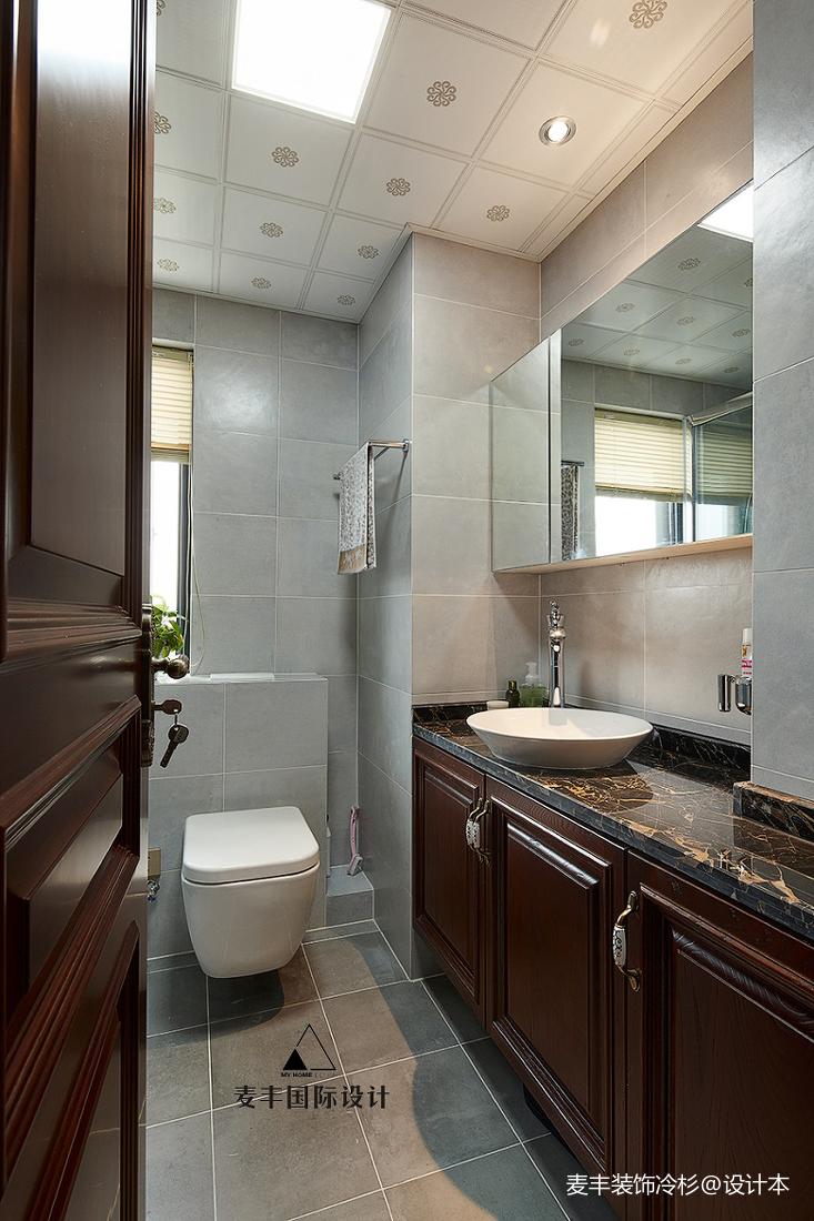 精美74平中式三居卫生间装潢图