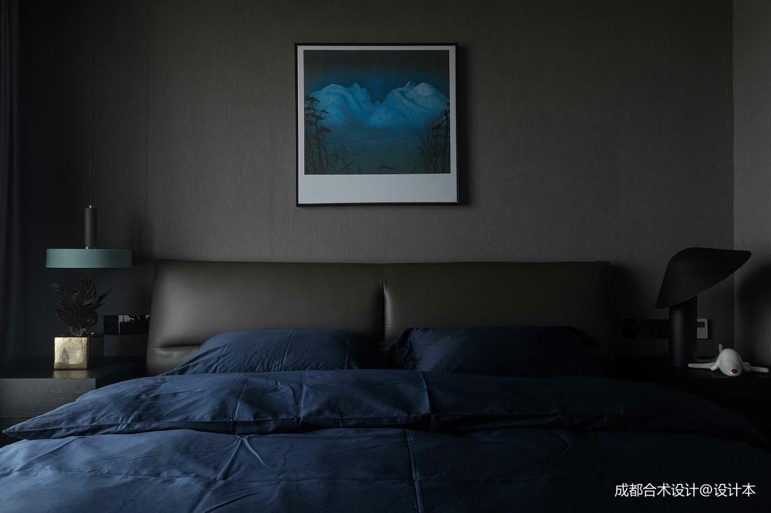 深色调现代风卧室设计