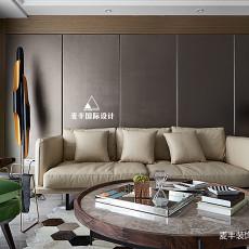 精美117平现代三居客厅设计美图