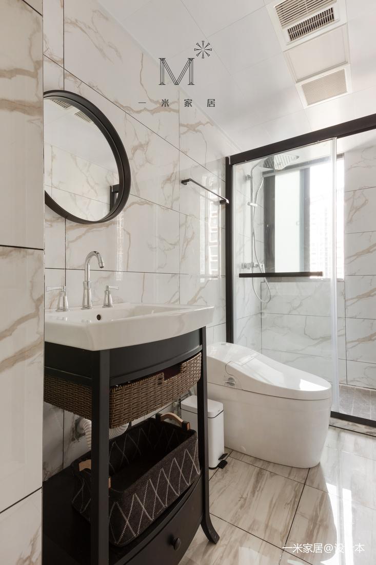 典雅124平美式三居客厅装潢图