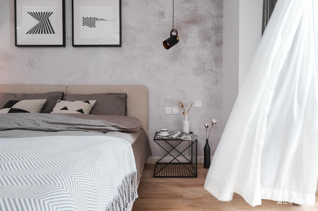 精美34平现代小户型卧室实拍图