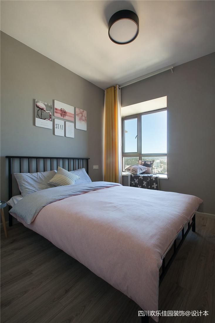 热门74平米二居卧室北欧实景图