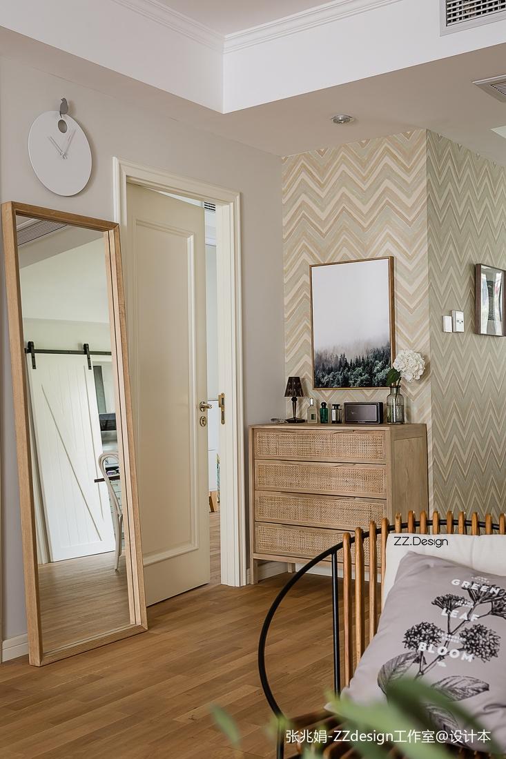 热门面积140平北欧四居客厅实景图片
