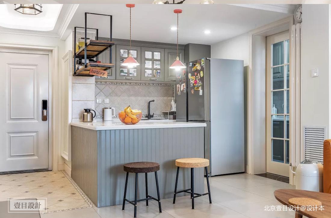 美式三居厨房装修设计