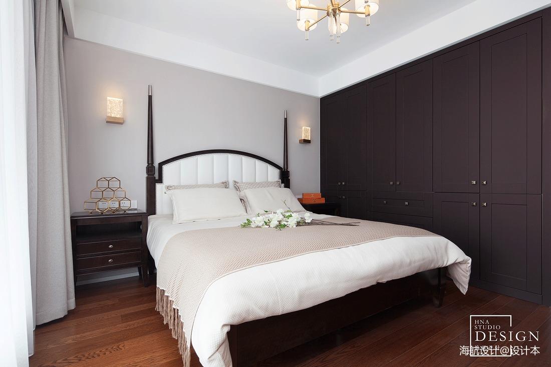 美式三居卧室背景墙设计