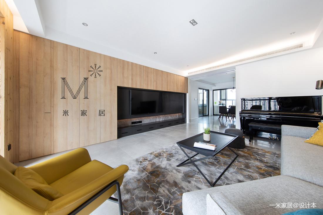 优美101平现代三居装潢图