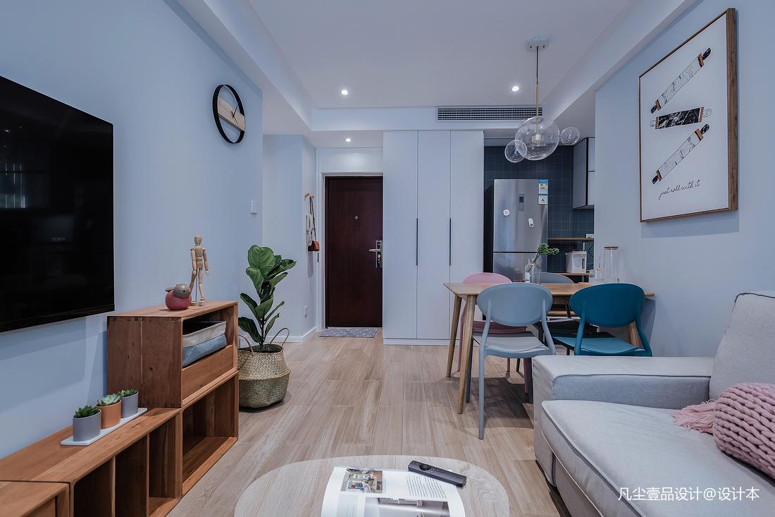 悠雅55平简约小户型客厅装修美图