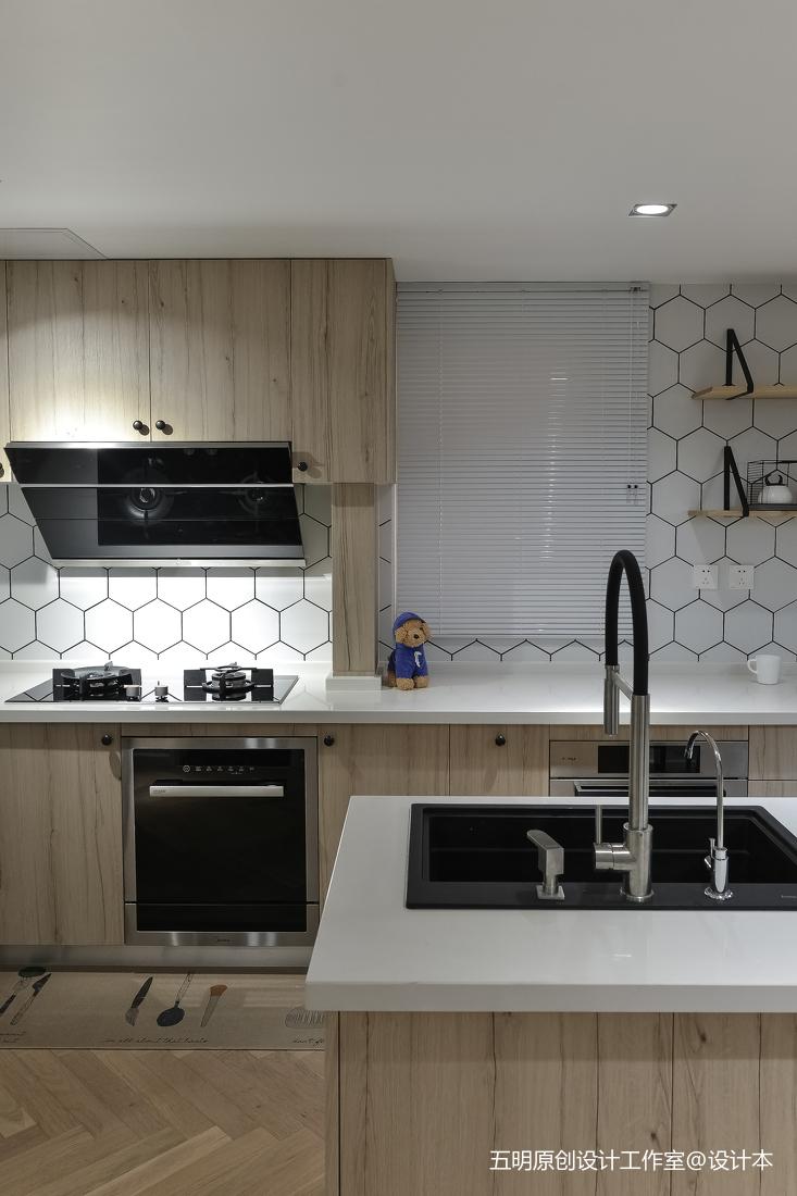 小戶開放式廚房