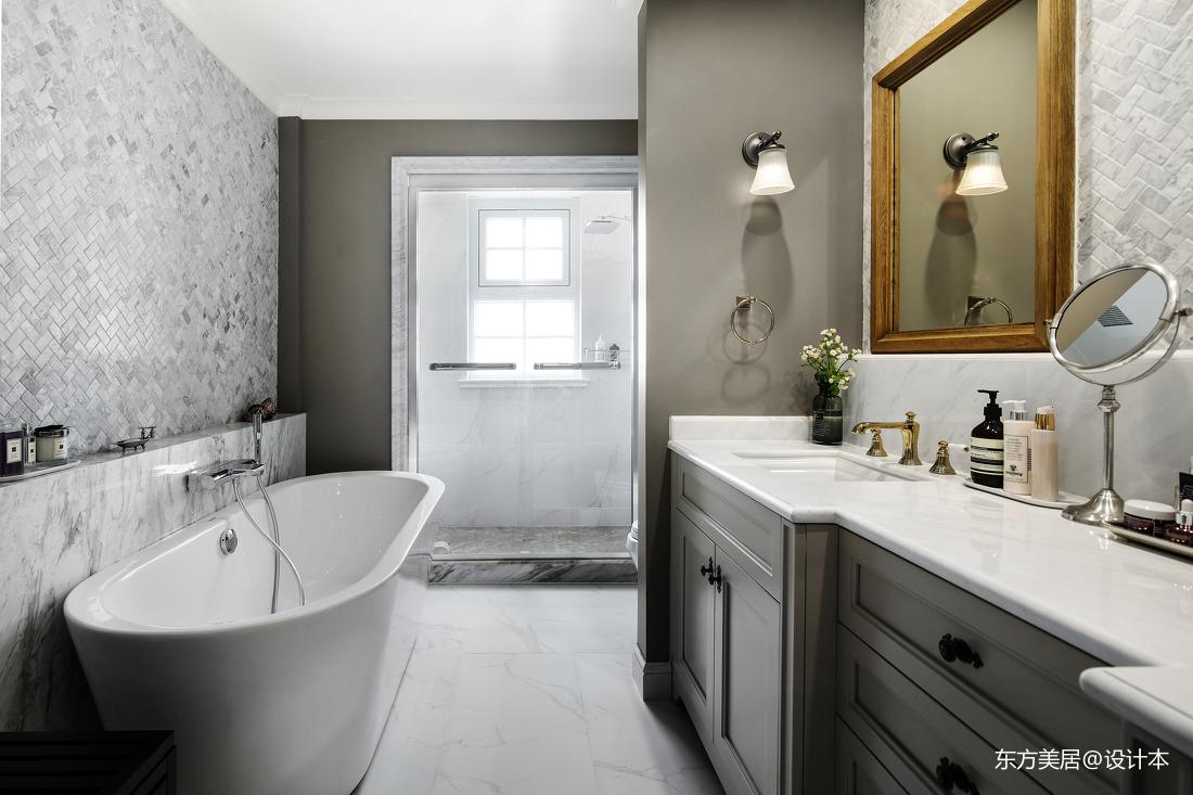 精致273平美式别墅卫生间布置图
