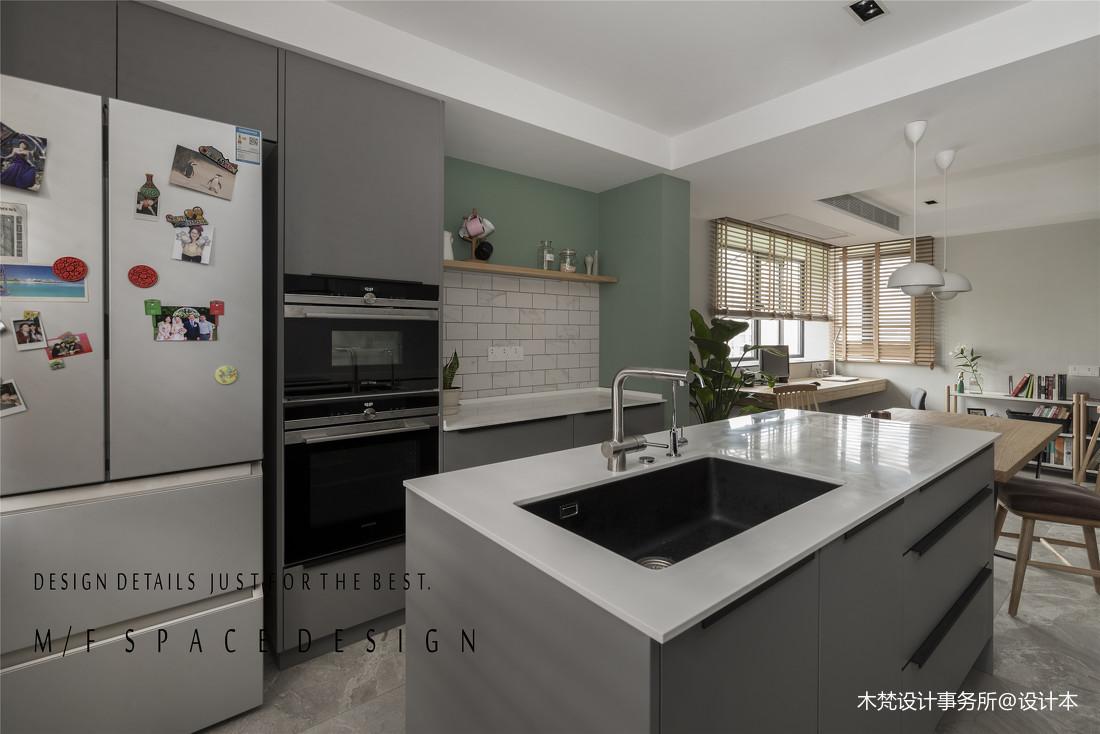 精致85平简约三居厨房装修图片