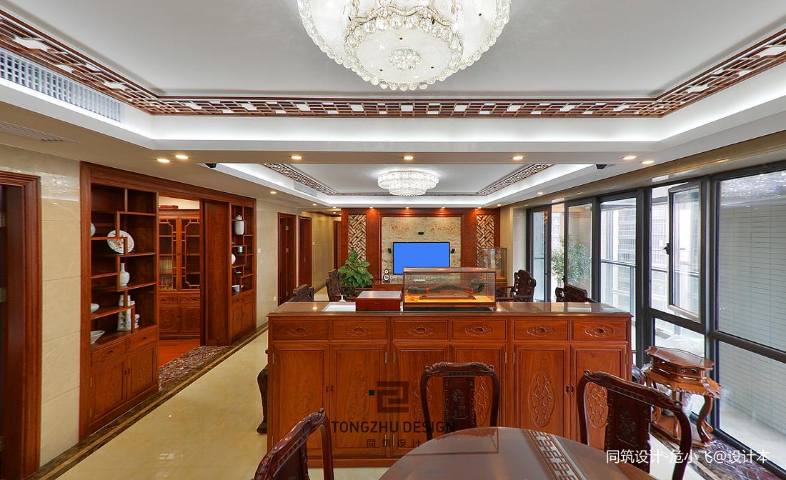 中式客廳與餐廳隔斷