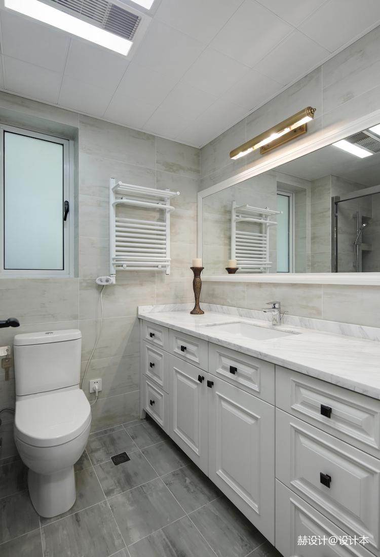 浪漫85平美式三居卫生间装饰图