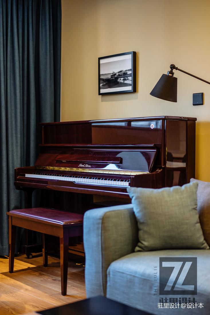 轻奢71平现代复式客厅装修设计图