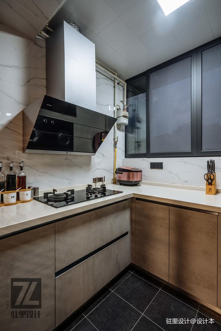 优美74平现代复式厨房效果图