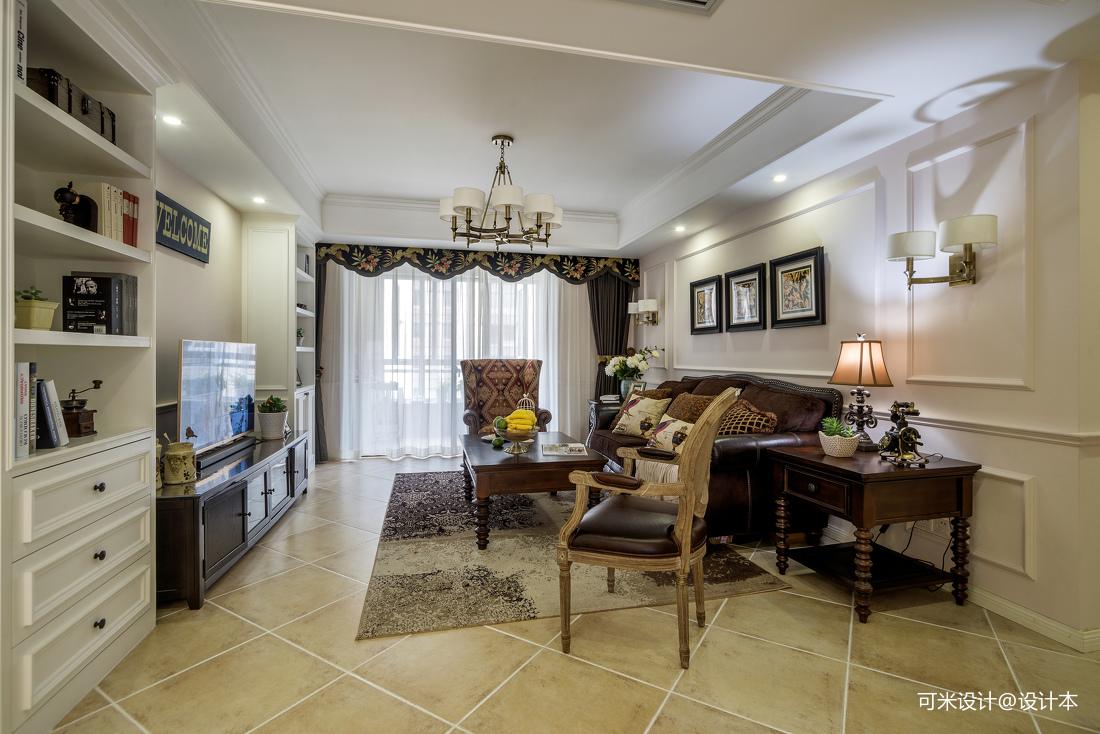 2019111平美式四居客厅实拍图