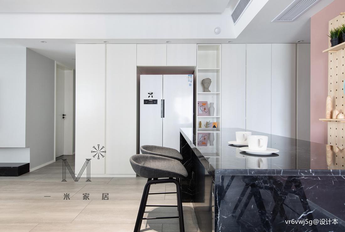 140m²现代北欧餐厅储物柜设计