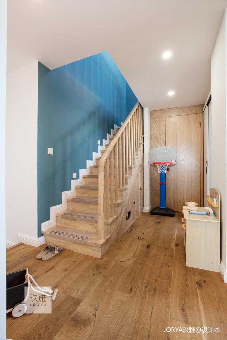 180㎡復式樓梯設計